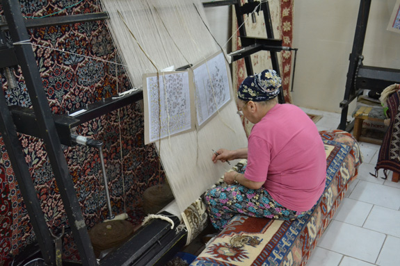 making carpet in Turkey