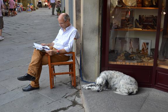man and dog in Cortona, Italy
