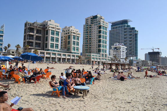 Tel Aviv condos and beach