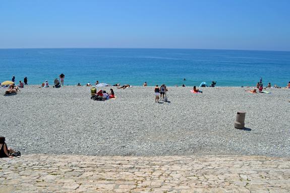 Beach scene in Nice