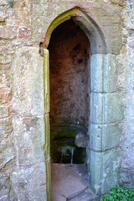 Raglan Castle bathroom.